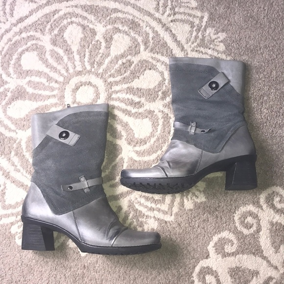 5d64dc10bee Earth 9.5B dark grey distressed Chinook boots
